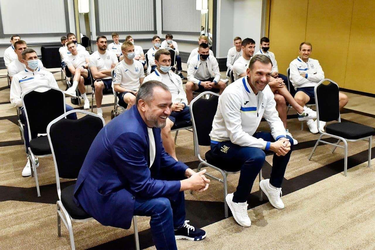 Зеленский позвонил сборной Украины перед матчем со Швецией