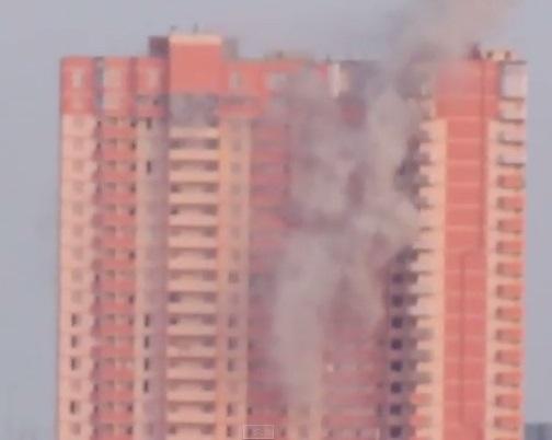 В Луганске снаряд попал в 25-этажный дом