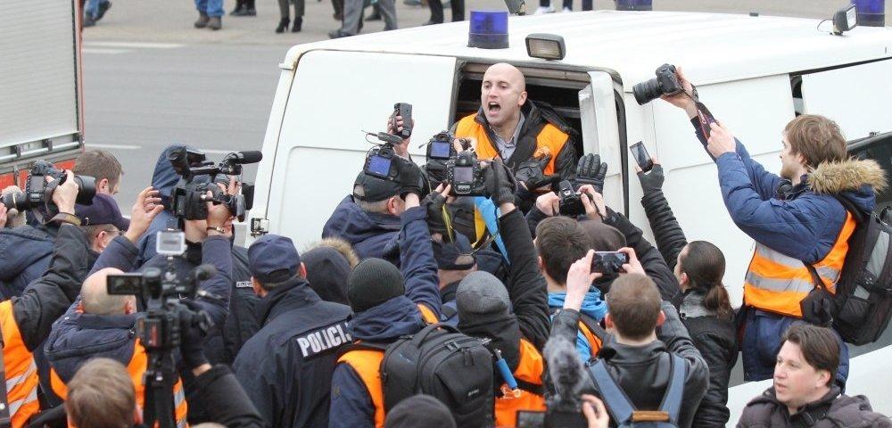 В Латвии за оскорбления участников памятного марша задержан британец Грэмм Филлипс