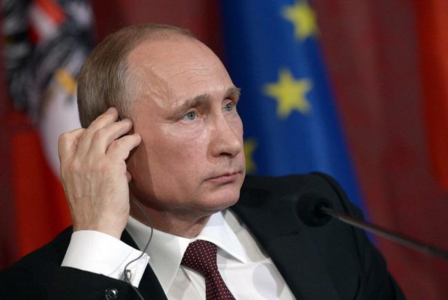 Змея на букву Х: Мнение жителей Минска о Путине