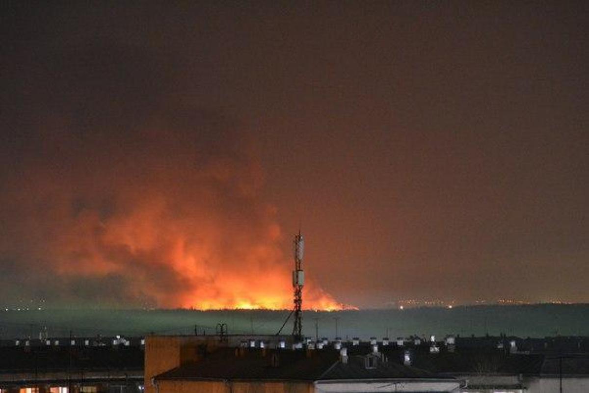 """""""Горит вся зона, помогите"""", - в Ангарске бунт заключенных, охваченную пожаром колонию штурмует спецназ, видео"""