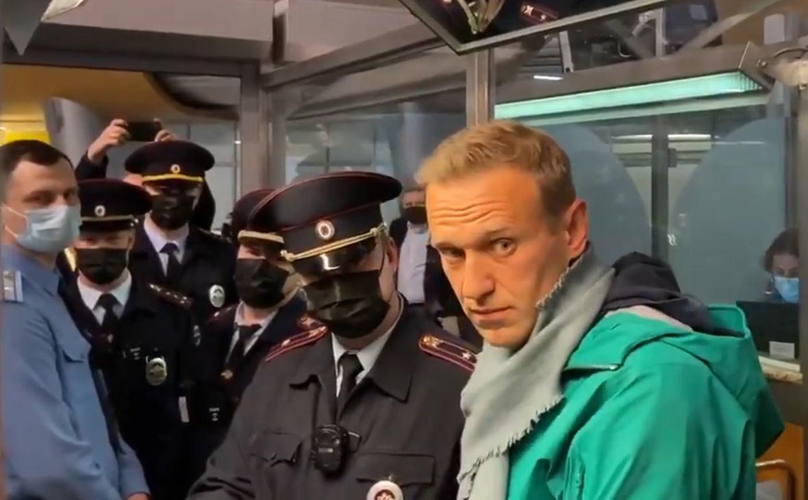 """Bloomberg узнал подробности санкций ЕС против России по делу Навального: """"Олигархи могут не попасть"""""""
