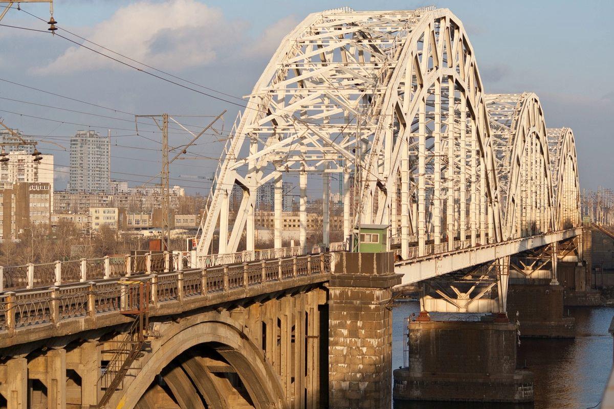 Спустя 10 лет заморозки: в Киеве принялись за достройку Дарницкого моста
