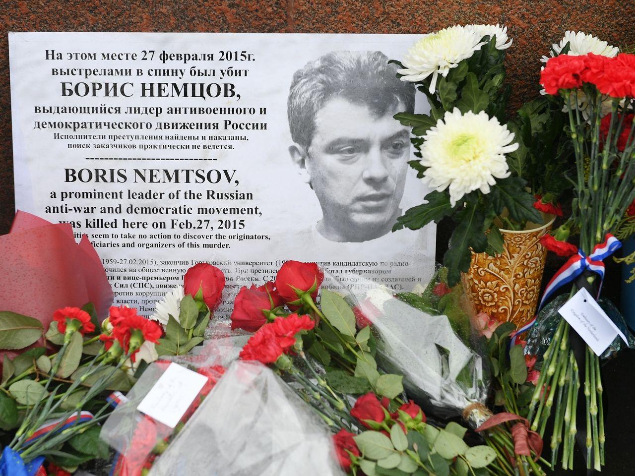 Гончаренко эффектно напомнил всем о дне рождения Немцова, упомянув Путина