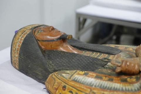 """Ученые вскрыли """"проклятые"""" саркофаги древнеегипетского художника и его супруги - фото"""