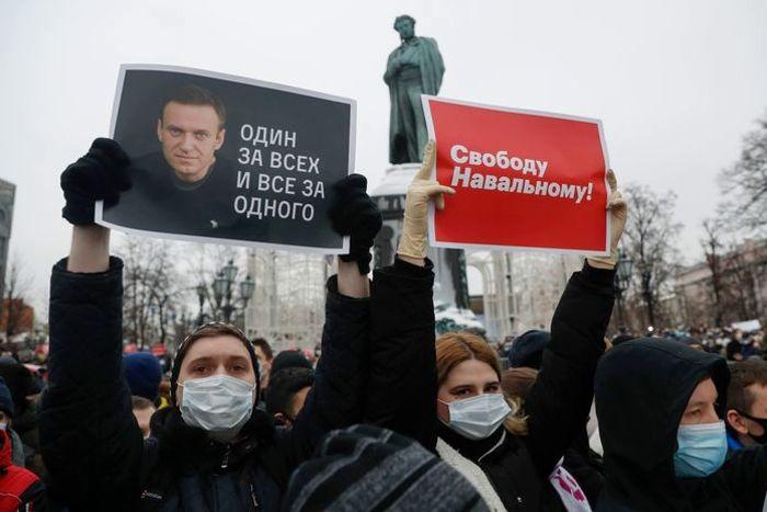"""Сторонники Навального собирают экстренный митинг 21 апреля: """"Финальная битва с абсолютным злом"""""""