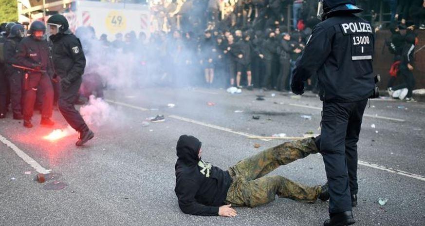 На Родине страшно, а в Европе можно: россиянам, которые громили Гамбург во время саммита G20, выдвинули обвинения