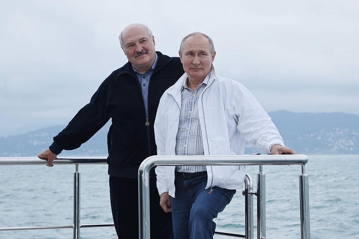 """""""Куда выкладывать такие фото?"""" – Собчак раскритиковала совместное фото Путина и Лукашенко"""