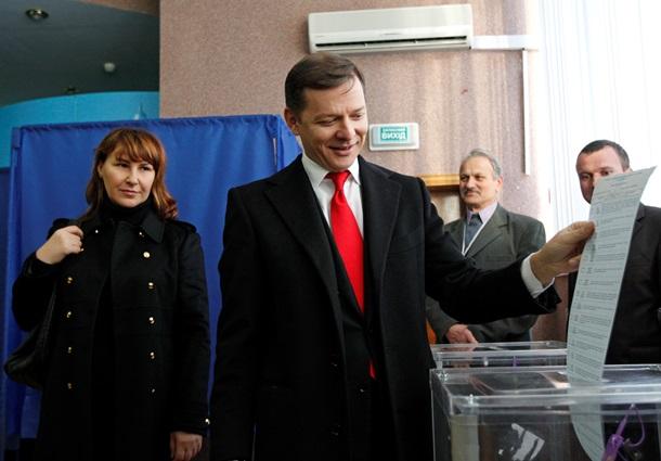 Первые фото с избирательных участков: Ляшко, патриарх Филарет и украинские военные уже сделали свой выбор