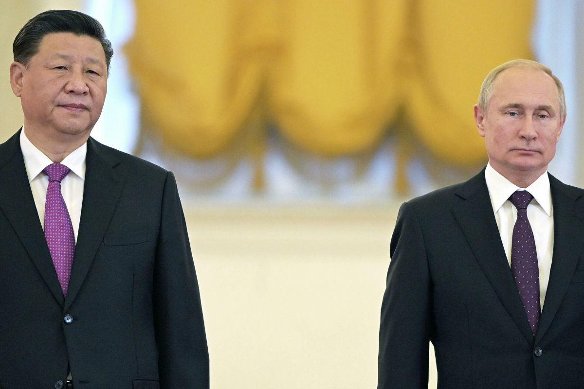 Россия стала разменной монетой в схватке США с Китаем - у Путина не осталось хороших ходов