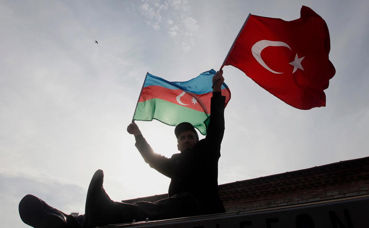 СМИ: Армения готовит заявление о капитуляции - Путин назначил серию военных совещаний