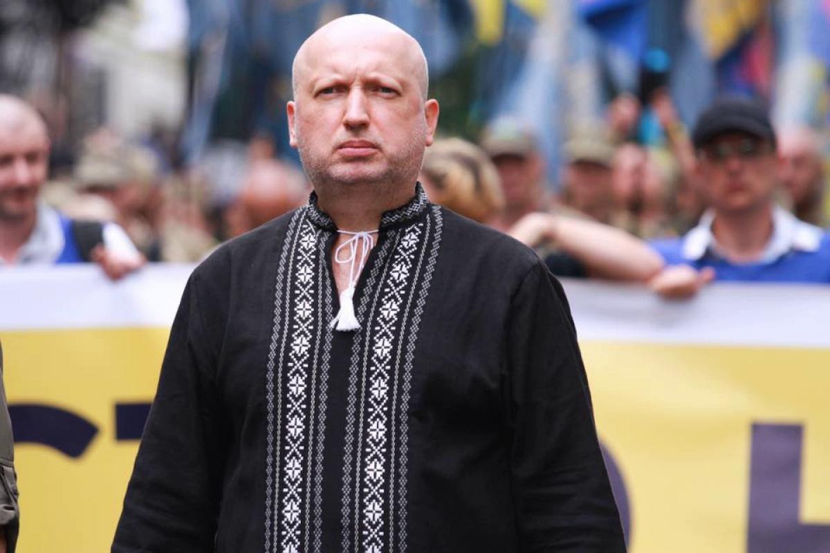 """Турчинов призвал к """"перезагрузке"""" власти: """"Решается судьба страны"""""""