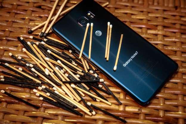 Galaxy Note 4 готов взрываться вслед за 7-й моделью - Samsung открещивается от обвинений