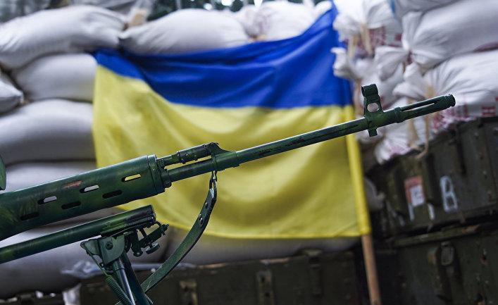 Кадры, как снайпер ВСУ стреляет из оружия
