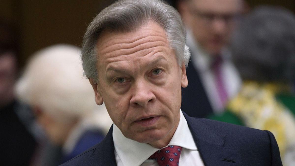 """""""Проверял реакцию РФ"""", - в Москве назвали свою версию инцидента с британским эсминцем Defender"""