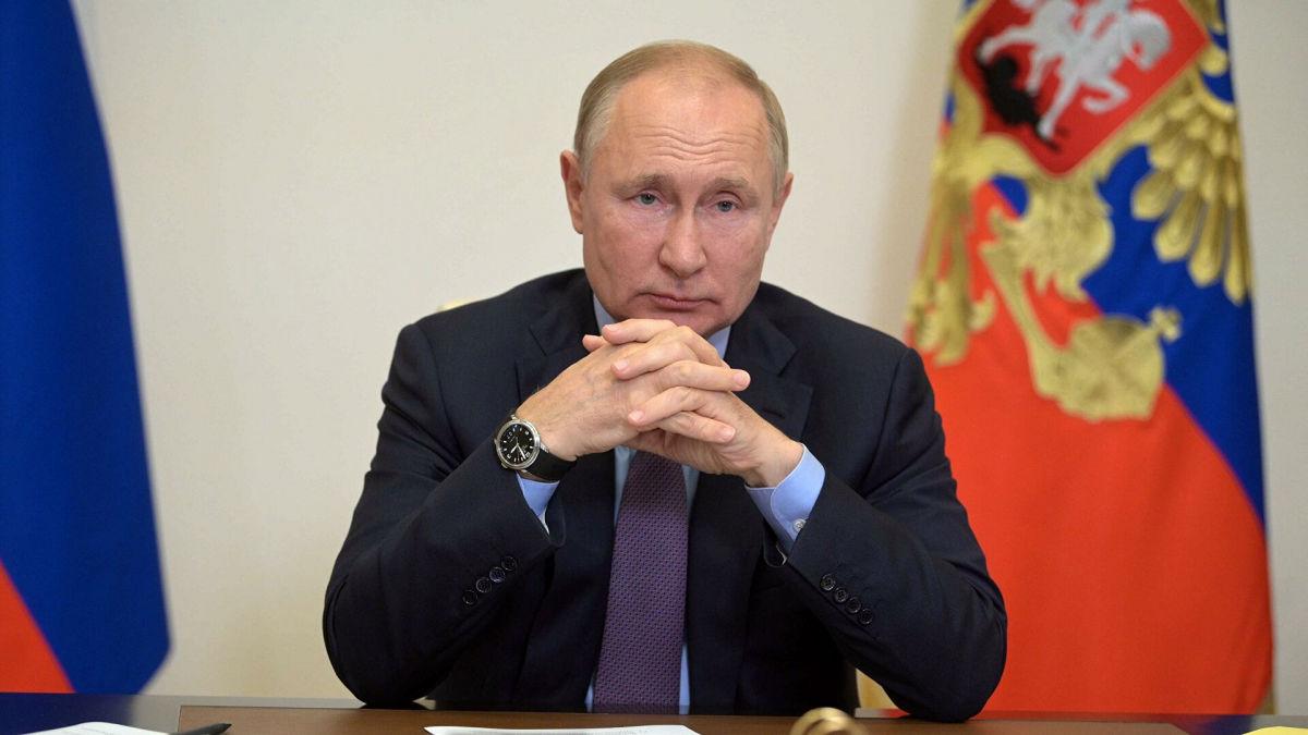 На часах Путина заметили странную закономерность