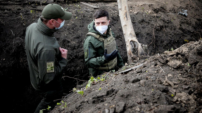 """План """"Б"""" Зеленского по Донбассу: журналисты пояснили, на что может пойти президент"""