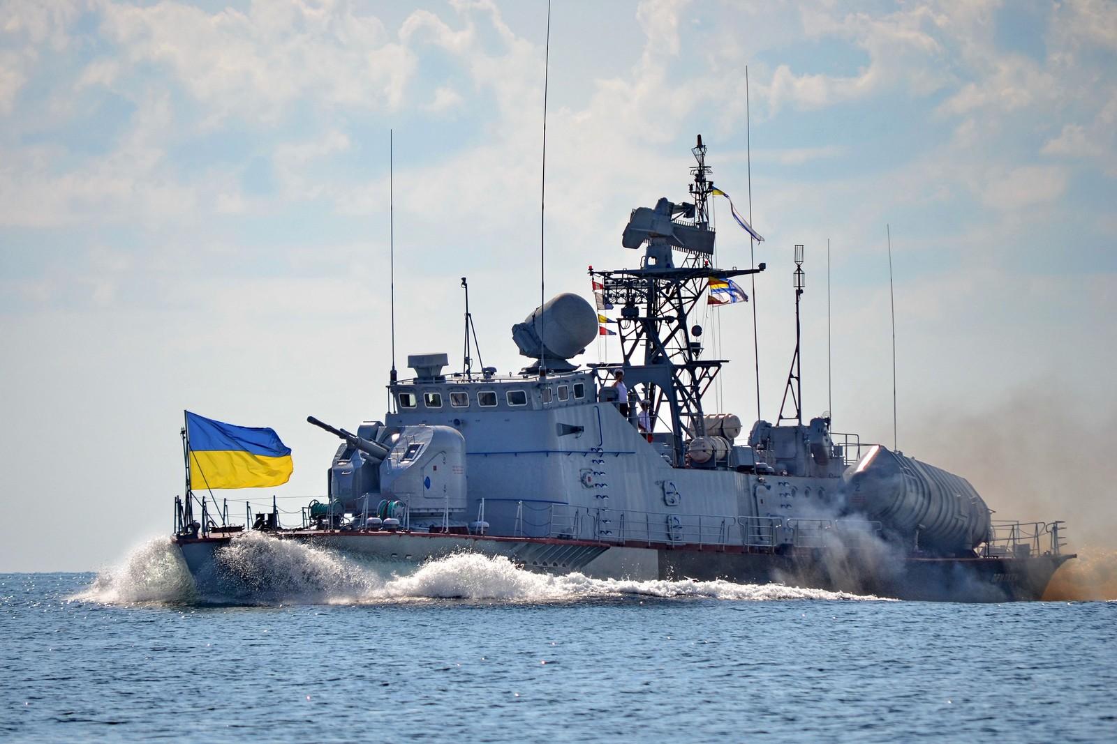 Россия напала на корабли Украины в нейтральных водах: Москву поймали на грандиозном вранье