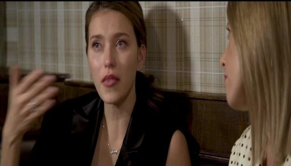 """Регина Тодоренко разрыдалась во время интервью: """"Зачем эта злоба, я не понимаю"""""""