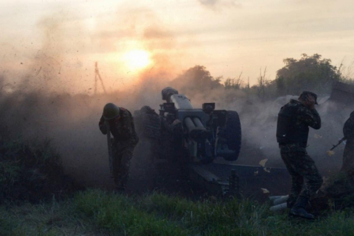 """""""Корпуса"""" устроили массированную атаку по Золотому с двух точек из-за спин гражданских: у ВСУ потери"""