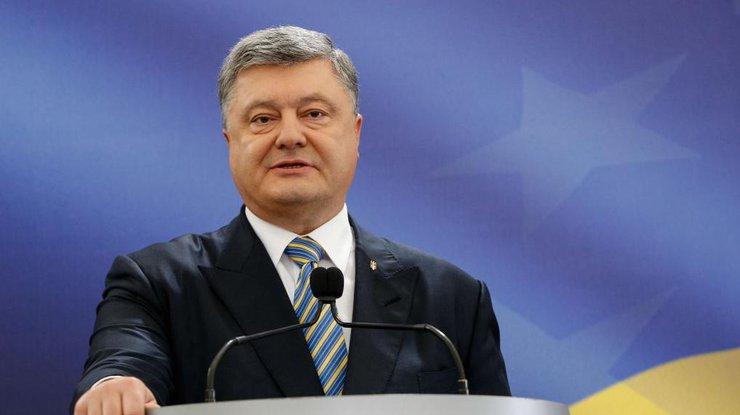 Петр Порошенко назвал условие, при котором военное положение в Украине моментально будет отменено