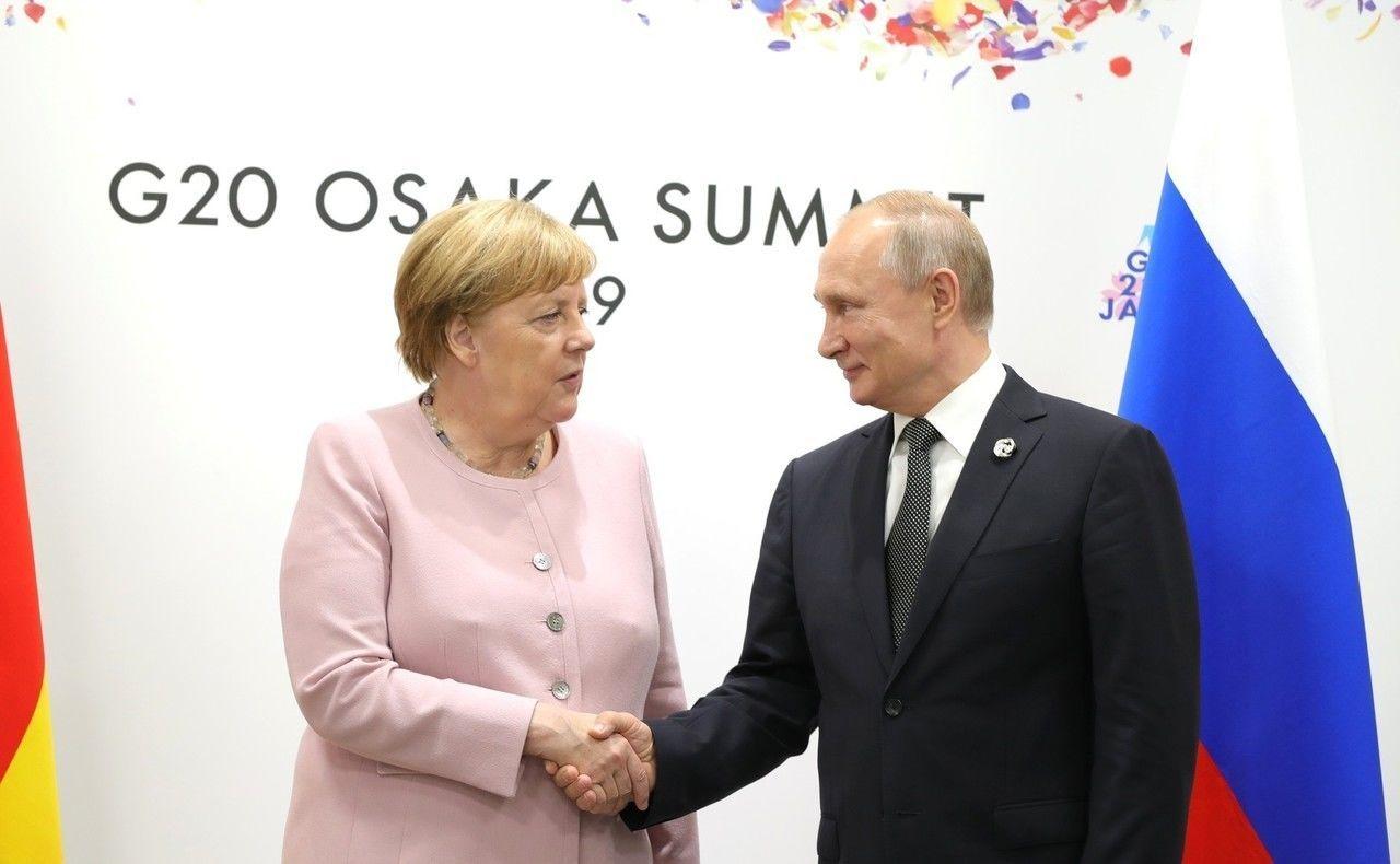 Меркель выдвинула Путину требование по Украине: СМИ узнали, о чем умолчали в Кремле