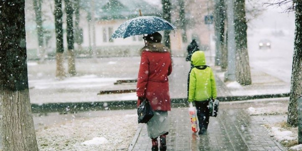Украину зальет дождями и засыпет мокрым снегом: кому из регионов не повезет больше всех – подробный прогноз