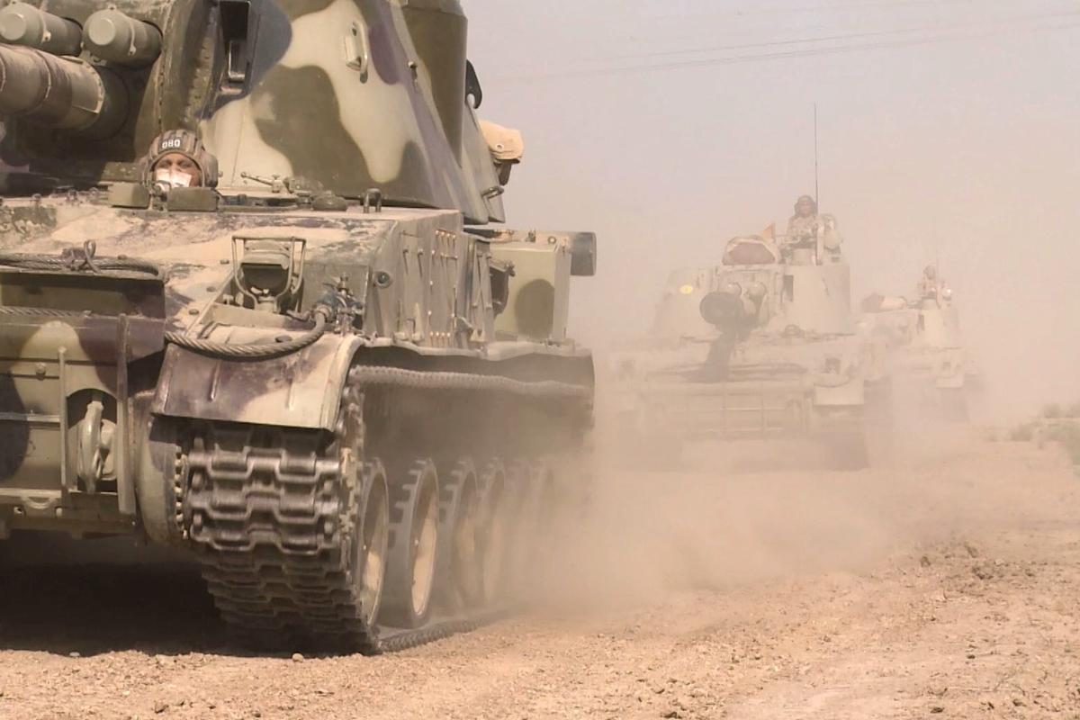 Азербайджан пошел в контрнаступление в Карабахе с применением танков и авиации - бои по всему фронту