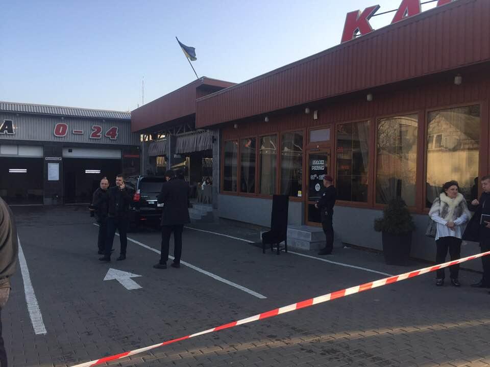 Расстрел людей в Луцке: среди выживших известный криминальный авторитет, есть убитый – фото и видео