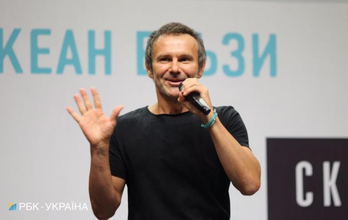 Вакарчук написал необычный ответ в стихах на поздравление Зеленского с Новым годом