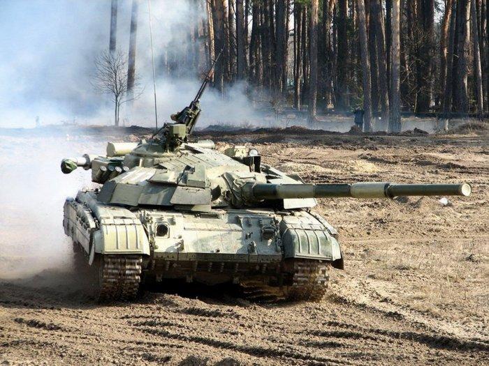 Очевидцы: Украинские танки приближаются к Донецку