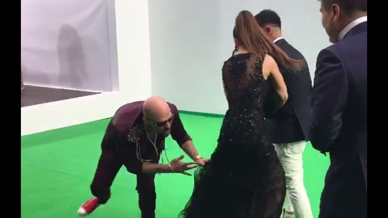Лорак чуть не осталась без платья: в России пранкер пытался стянуть с певицы верхнюю одежду (кадры)