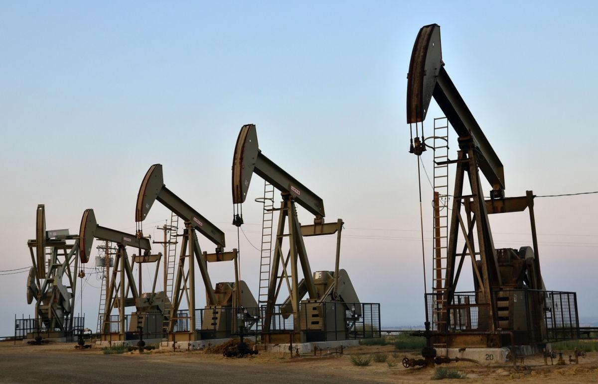 Цены на нефть снижаются - нефтегазовые компании РФ в затяжном пике
