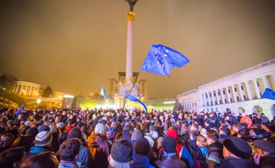 Праздник демократии в честь начала Оранжевой революции и Евромайдана: 21 ноября в Украине отмечают День Достоинства и Свободы