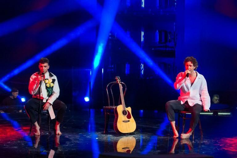 """На """"Голосе страны – 11"""" Лазановский и Бабкин растрогали до слез песней обо всех, кого не стало"""