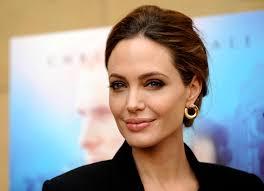 Анджелина Джоли, больна, актриса, знаменитость, известная личность, видео, реклама, голая, духи, сенсация, подробности, вся правда, общество, фото, прогулка