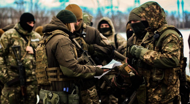 Резервисты и добровольцы Украины готовятся к защите страны от российского агрессора - видео