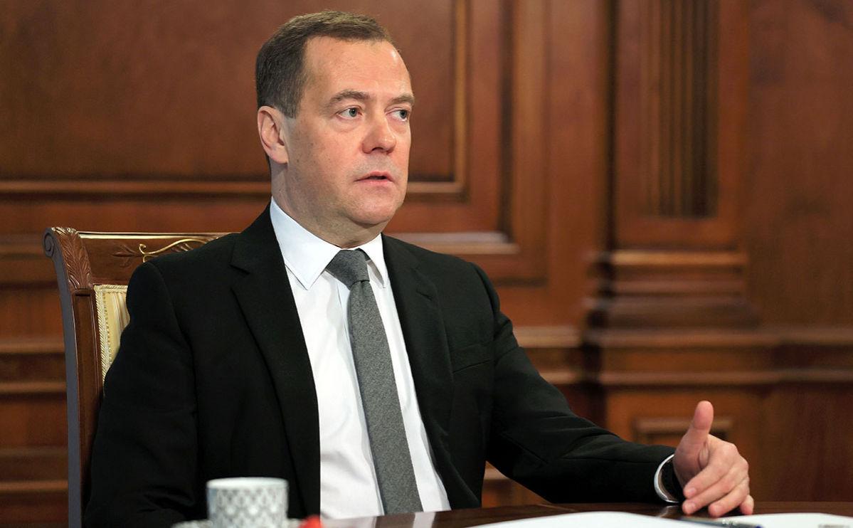 """""""Россия умеет ждать"""", – Медведев написал статью об Украине, намекнув на планы Кремля"""