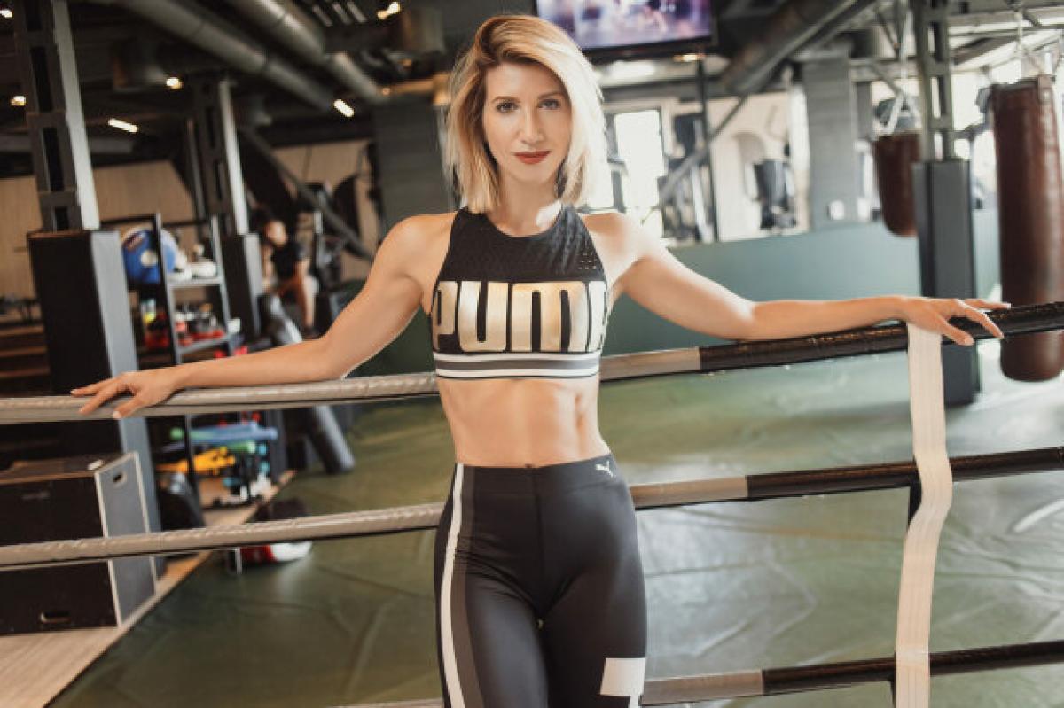 """Анита Луценко показала упражнения на похудение для самых ленивых: """"Всего 45 секунд"""""""
