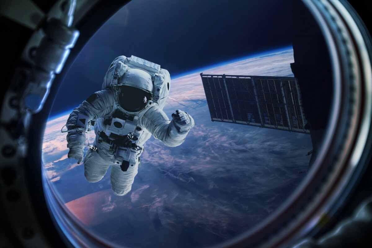 Иллюминаторы российского модуля МКС пошли трещинами - эксперты заговорили о высоком риске разгерметизации