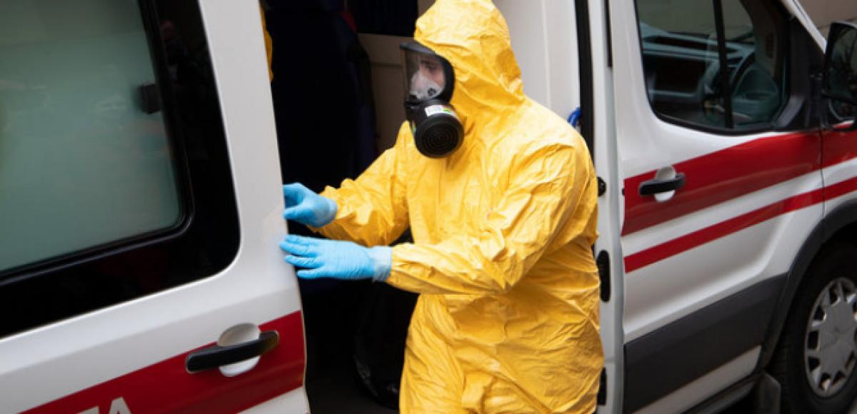 Коронавирус обнаружен у жителей Днепропетровщины: оба зараженных прилетели из-за рубежа – что известно