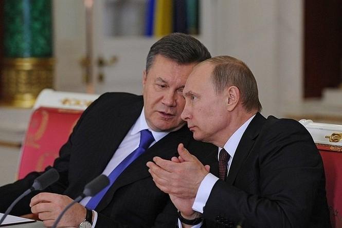 Виктор Янукович, Аннексия Крыма, Россия, Оккупанты, Уголовное дело