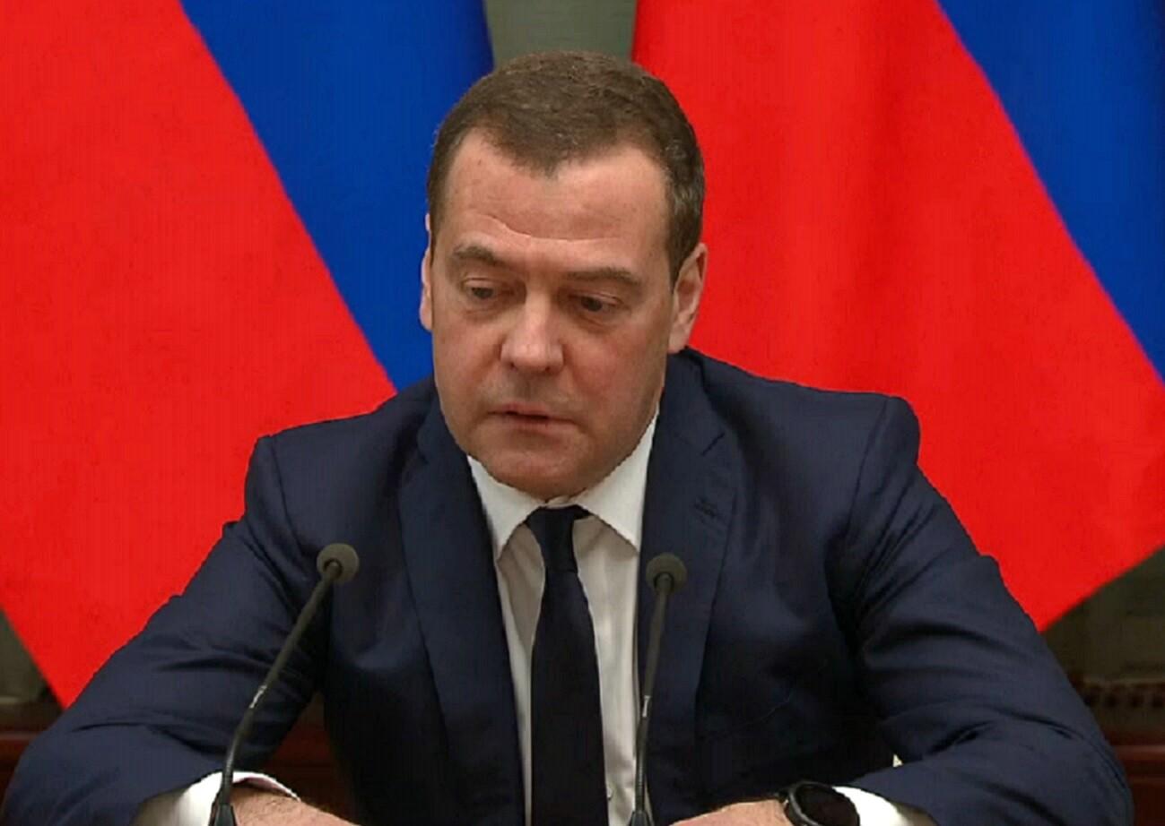 Россия, Медведев, Отставка, Путин, Премьер.