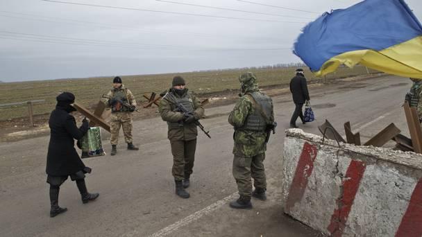 """Пограничники задержали террористку """"народной республики"""", которая направлялась в мирные украинские города из оккупированного Донецка, – кадры"""
