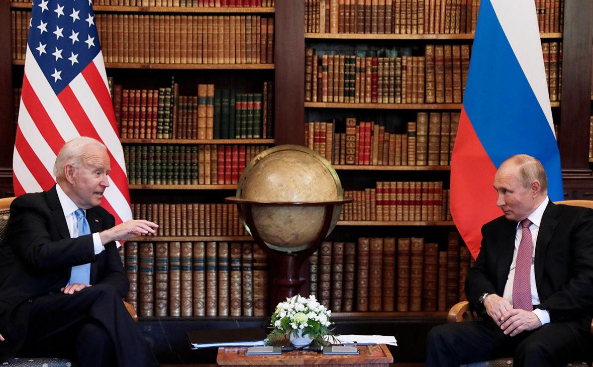 СМИ узнали, какими подарками обменялись Байден с Путиным