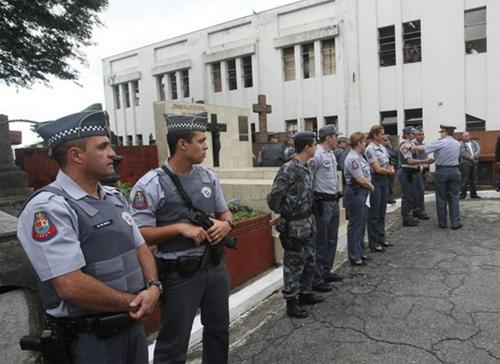 В Бразилии убито восемь футбольных фанатов