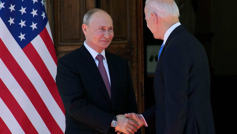 """""""Байден создает многоплановую и многовекторную угрозу"""", – Мюрид о серьезном вызове Кремлю"""