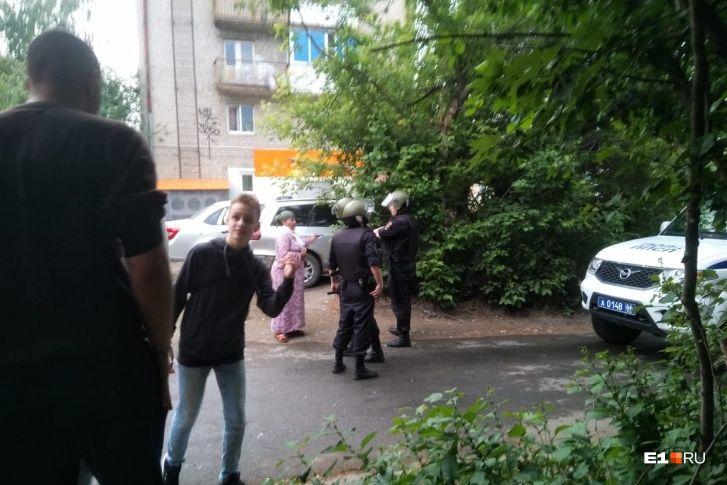 """""""Надоела жизнь"""", - стрелок из Екатеринбурга отправил знакомым прощальное сообщение"""