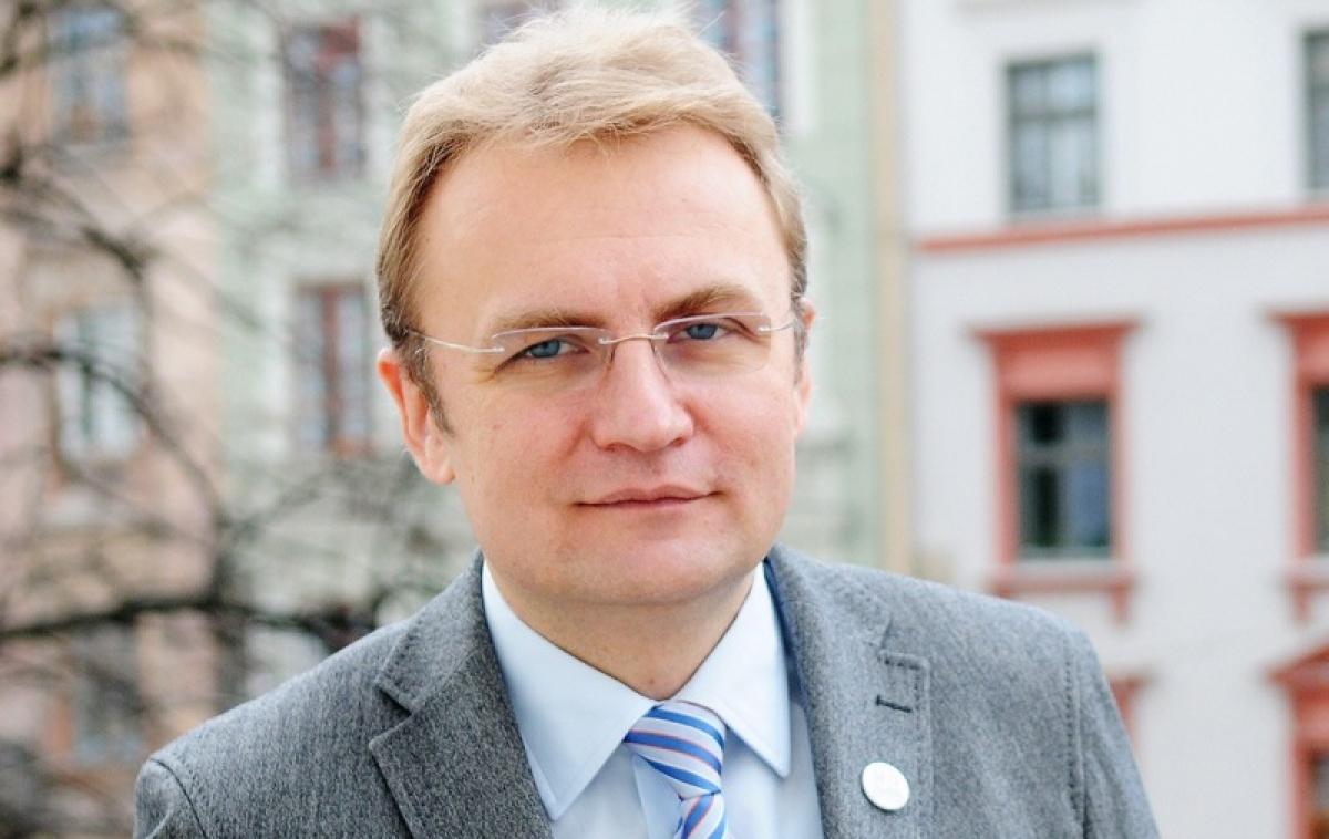 Садовому пришлось дважды идти на выборы из-за потери украинского паспорта