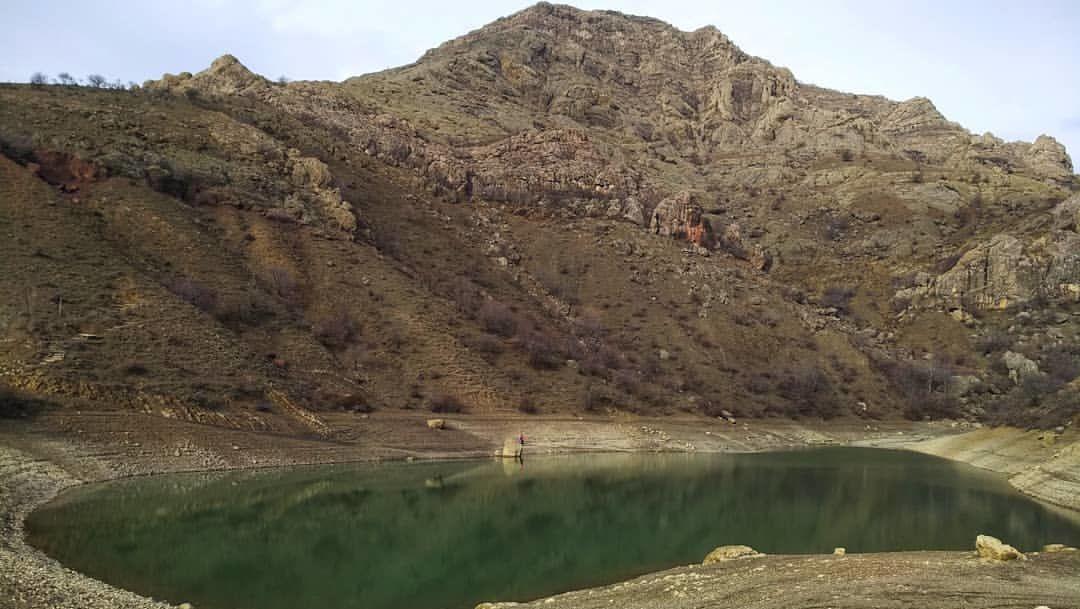 """В Крыму высыхает """"место силы"""" - горное озеро Панагия"""